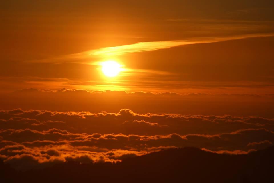 阿里山晚霞夕陽雲海